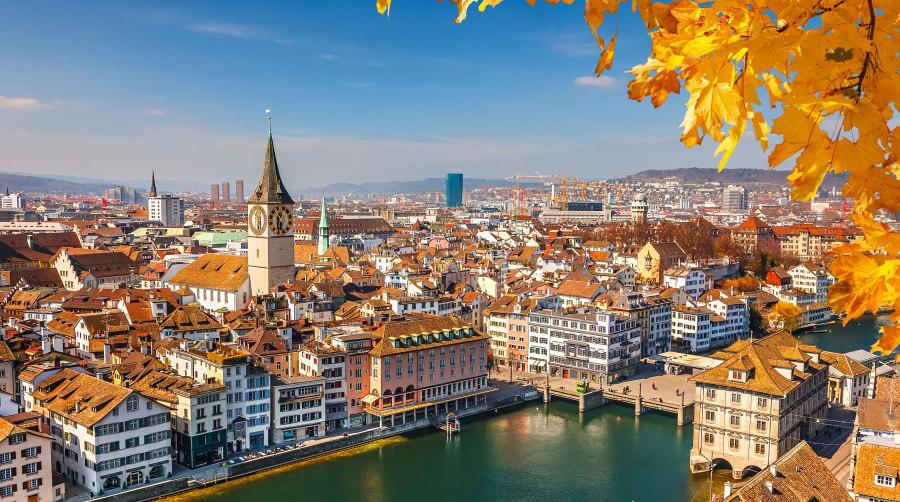 que idioma hablan en zurich suiza