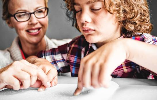 Actividades para enseñar a leer y escribir a niños ciegos. ¡Aprenderán jugando!