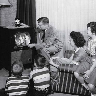 ¿Cómo han evolucionado los medios de comunicación en el tiempo? Línea temporal desde las pinturas rupestres a Internet
