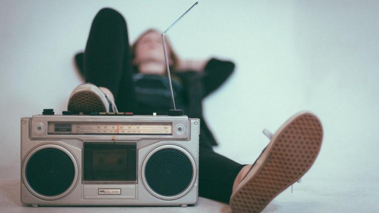 ¿Qué ventajas tiene la radio sobre otros medios de comunicación?